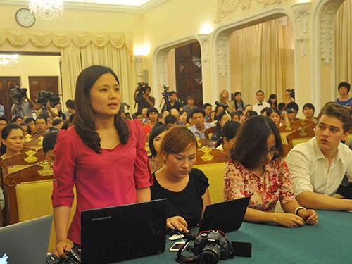 Phóng viên trong nước và quốc tế tham dự buổi họp báo của Bộ Ngoại giao Việt Nam ngày 3-7 Ảnh: Nguyễn Quyết