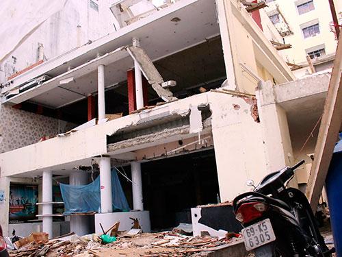 Biệt thự số 458 Nguyễn Thị Minh Khai, quận 3 bị tháo dỡ mà chưa có sự cho phép của UBND TP HCM Ảnh: Hoàng Triều