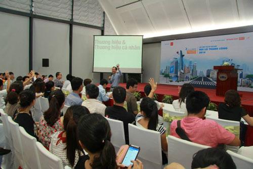 """Khán phòng 1 trong 7 hội thảo nghề nghiệp sôi nổi trong khuôn khổ sự kiện """"Đại Lộ Thành Công"""" ở Hà Nội"""