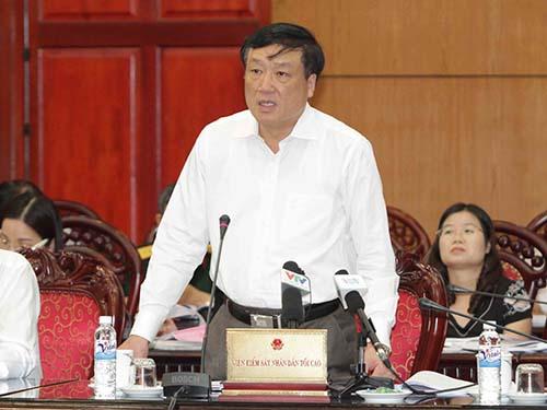 """Phát biểu trong phiên họp của Ủy ban Thường vụ Quốc hội, Viện trưởng VKSND Tối cao Nguyễn Hòa Bình khẳng định còn có nhiều ý kiến quá khác nhau về """"Quyền im lặng""""Ảnh: TTXVN"""