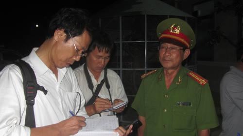 Lãnh đạo Công an tỉnh Bình Thuận trả lời các phóng viên về vụ bắt các đối tượng đấu súng, chống trả lực lượng công an
