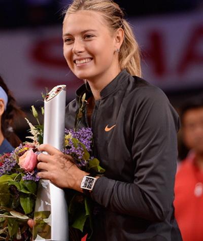 Chiếc cúp vô địch thứ ba tại Stuttgart