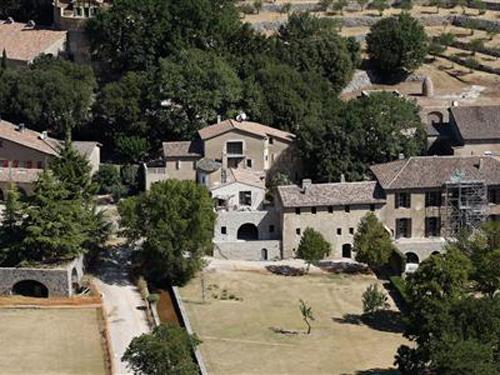 Lâu đài Chateau Miraval nơi cặp đôi vàng kinh doanh rượu và dự định tổ chức lễ cưới.