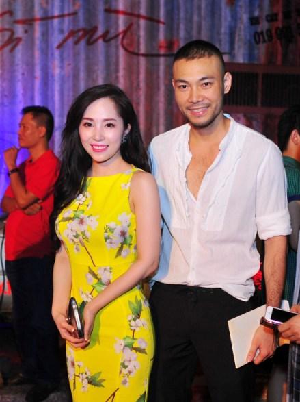 Đây là lần đầu tiên vợ chồng Quỳnh Nga - người mẫu Doãn Tuấn xuất hiện sau lễ ăn hỏi cách đây 3 tuần
