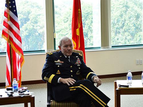 Chủ tịch Hội đồng Tham mưu trưởng Liên quân Mỹ, đại tướng Martin Dempsey đã nhấn mạnh Việt Nam  có vị trí rất đặc thù và quan trọng. Ảnh: Lãnh sự quán Mỹ tại TPHCM cung cấp.