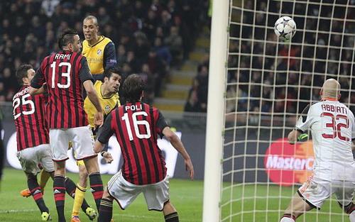 Costa đánh đầu ghi bàn cho Atletico