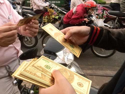 Loại đô vàng may mắn bán rất chạy trong dịp Tết Giáp Ngọ. Ảnh: Ngọc Ánh