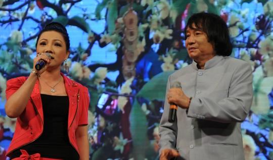 NSƯT Cẩm Tiên và Minh Vương ca bài Lý chim quyên - vọng cổ nhịp 64 trong chương trình Gala ĐCTT Nam Bộ