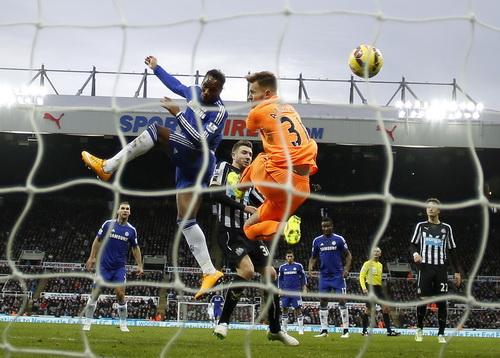Bàn gỡ của Drogba quá muộn với Chelsea