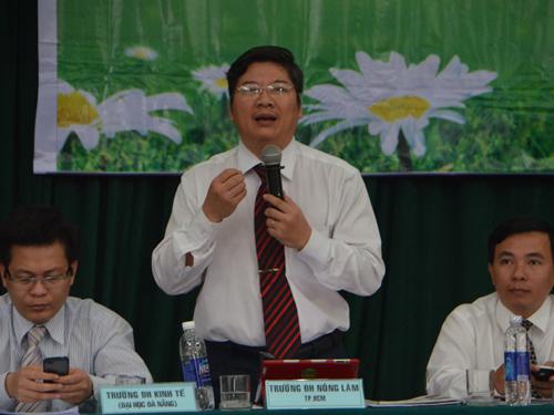 TS Trần Đình Lý, Trưởng Phòng đào tạo Trường ĐH Nông Lâm TP HCM, nhấn mạnh tầm quan trọng của công tác tư vấn hướng nghiệp