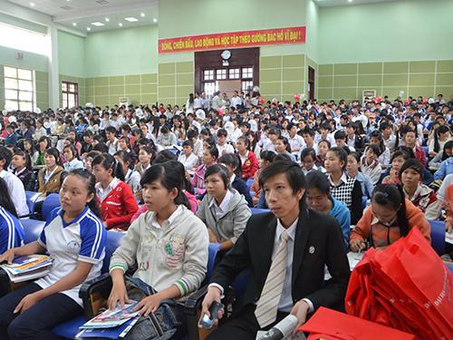 Học sinh các trường trên địa bàn tỉnh Quảng Nam tập trung đông đủ