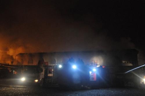 chợ Phố Hiến bị cháy rụi