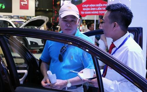 Giá bán lẻ ôtô tại thị trường Việt Nam luôn chịu sự tác động từ rất nhiều chính sách khác nhau.
