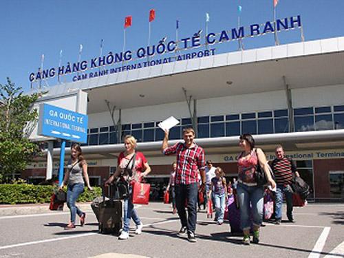 Du khách Nga tại sân bay quốc tế Cam Ranh (Khánh Hòa). Ảnh: Báo Khánh Hòa