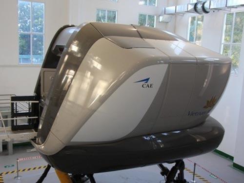 Chuyến bay thử nghiệm ngày 4-9 được thực hiện trên buồng lái giả định của loại máy bay A321 Ảnh: Minh Nghĩa