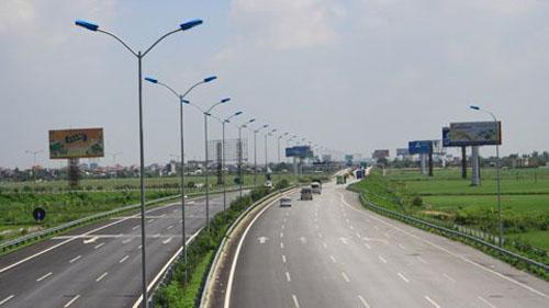 Đường cao tốc Cầu Giẽ-Ninh Bình đi qua khu vực có địa chất phức tạp, có nơi lớp bùn yếu dày hàng chục mét nên sẽ phải chờ lún trên 10 năm.