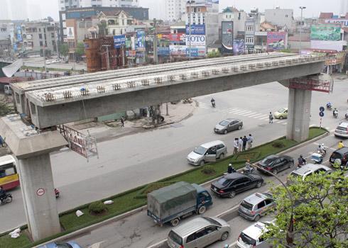 Cục trưởng Cục Đường sắt Việt Nam bị tạm đình chỉ chức vụ vì phát ngôn thiếu trách nhiệm xung quanh dự án đường sắt đô thị Cát Linh-Hà Đông đội vốn hơn 300 triệu USD