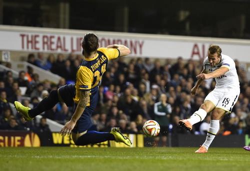 Kane liên tục lập công ở Europa League