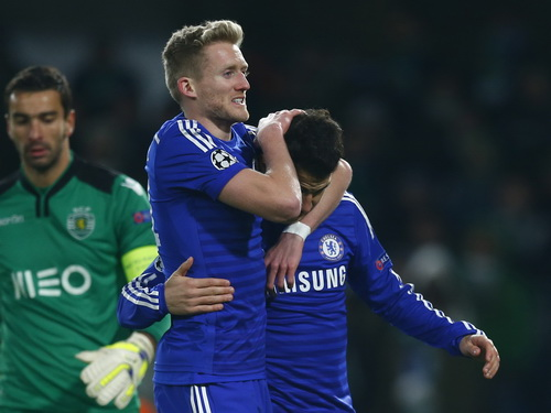 Fabregas và Schurrle, tác giả 2/3 bàn thắng của Chelsea trước Sporting Lisbon