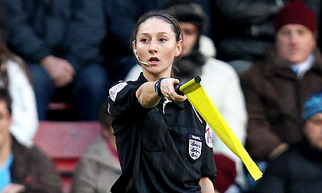 Nữ trở lý trọng tài ở Premier League - Sian Massey