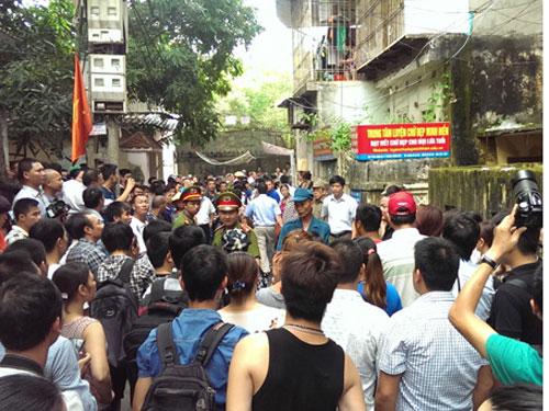 Xem giải cứu con tin ở Hà Nội