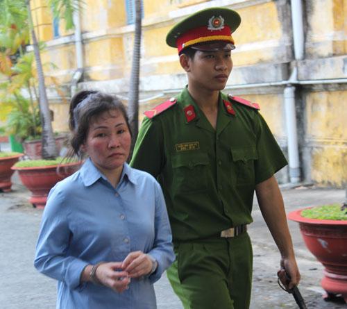 Nguyễn Ngọc Giàu bị dẫn giải về trại giam