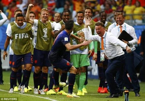 Chiến thắng 5-1 trước Tây Ban Nha khởi đầu hành trình thăng hoa của tuyển Hà Lan