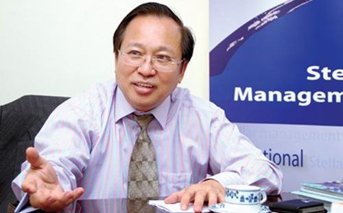 GS. Hà Tôn Vinh có hơn 30 năm kinh nghiệm hoạt động và làm việc tại châu Á - Thái Bình Dương, châu Âu và Tây Phi trong trong các dự án tài chính cơ sở hạ tầng và hợp tác công tư của Ngân hàng Thế giới, ADB và Liên hiệp quốc.