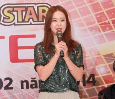 Baek Ji Young thật sự ngạc nhiên và sung sướng khi biết khán giả Việt Nam rất yêu thích giọng ca của mình