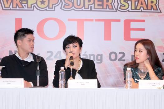 Ca sĩ Phương Thanh (giữa) là một trong những giám khảo quyền lực của cuộc thi này