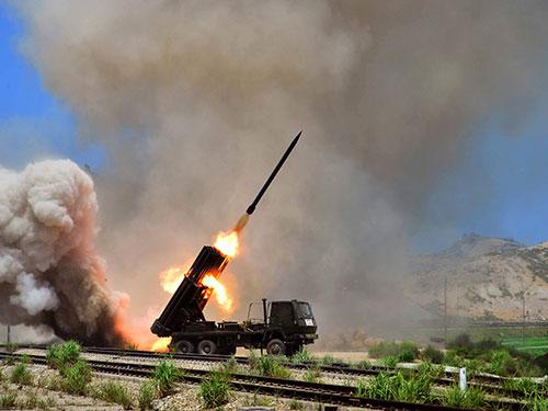 Một cuộc diễn tập bắn rốc-két mới đây của Triều Tiên Ảnh: REUTERS