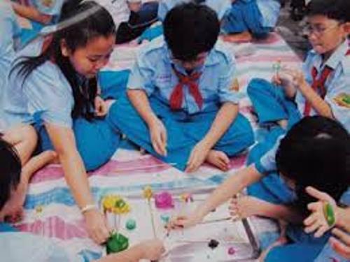 Học sinh tiểu học cần chăm chút phát triển tư duy hơn là hướng các em lệ thuộc vào máy tính bảng
