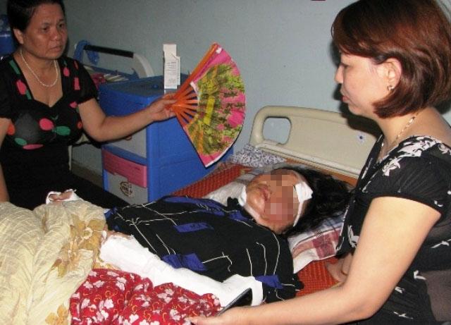 Chị Hạnh bị thương nặng vẫn đang trong tình trạng hôn mê, bất tỉnh tại Bệnh viện Đa khoa Hợp Lực - Thanh Hóa