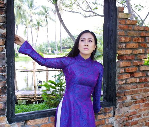 Với Vân Khánh, 2 lần đoạt Giải Mai Vàng là niềm vinh dự và cũng là động lực lực lớn để cô cố gắng nỗ lực nhiều hơn nữa trong sự nghiệp ca hát