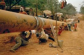 Đường ống dẫn dầu ở Chad. Ảnh: Al-Jazeera