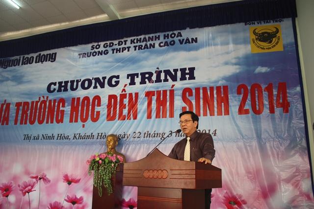 Ông Nguyễn Văn Tín - Phó Tổng Biên tập Báo Người Lao Động - phát biểu trong chương trình