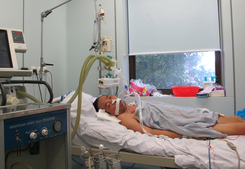 Nguy cơ tử vong rất cao nếu bệnh nhân nhiễm cúm gia cầm không được điều trị sớm