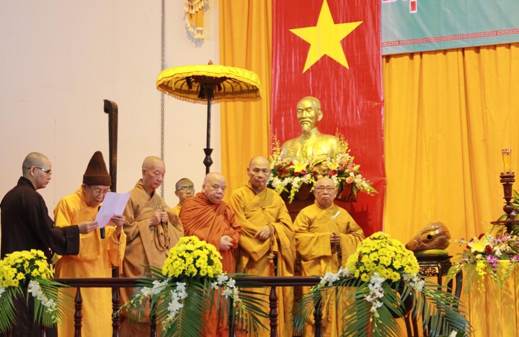 Hòa thượng Thích Đức Nghiệp đọc thông điệp của Đức Pháp chủ Giáo hội Phật giáo Việt Nam về hòa bình tại biển Đông