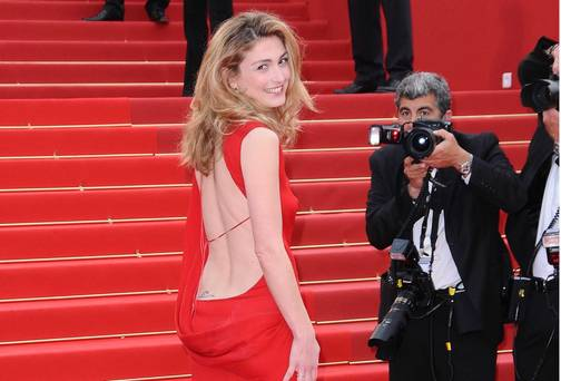 Valérie Trierweilers love rival, Julie Gayet.