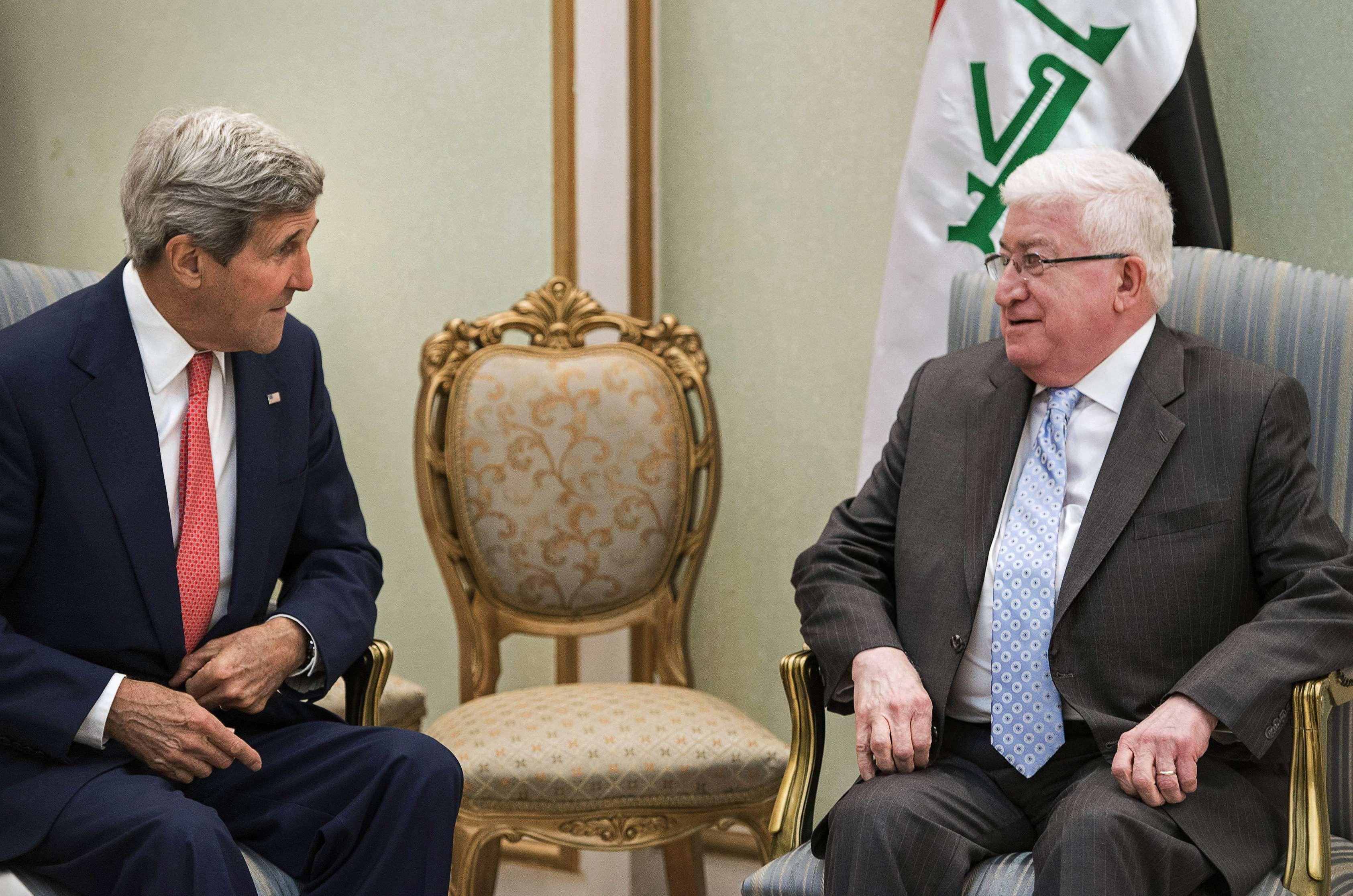 Tổng thống Iraq Fuad Masum (phải) hội đàm với Ngoại trưởng Mỹ John Kerry hôm 10-9 Ảnh: Reuters