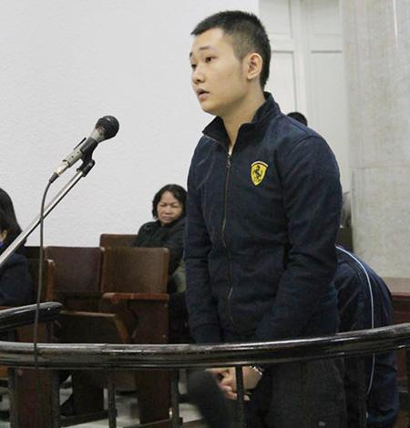 Bị cáo Đào Quang Khánh nói chủ thẩm mỹ viện Cát Tường hứa tăng lương khi mang xác nạn nhân đi phi tang
