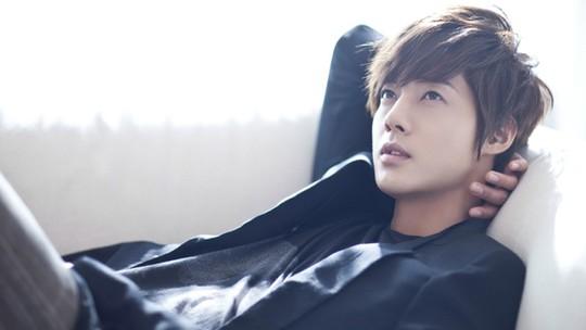 Kim Hyun Joong chính thức xin lỗi bạn gái bị bạo hành