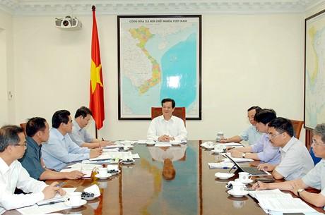 Thủ tướng Nguyễn Tấn Dũng làm việc với lãnh đạo tỉnh Lào Cai. Ảnh: VGP/Nhật Bắc