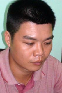 Lê Nguyễn Phúc Huy tại cơ quan công an sáng 8-5
