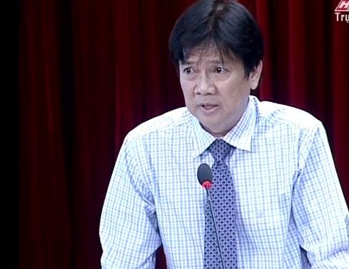 Ông Lê Thái Hỉ, Giám đốc Sở Thông tin và Truyền thông trả lời chất vấn