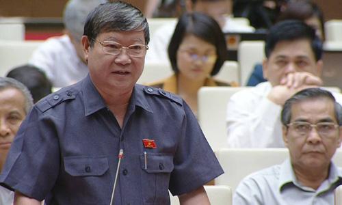 Ông Lê Như Tiến phát biểu trong phiên họp sáng nay. Ảnh: VNE