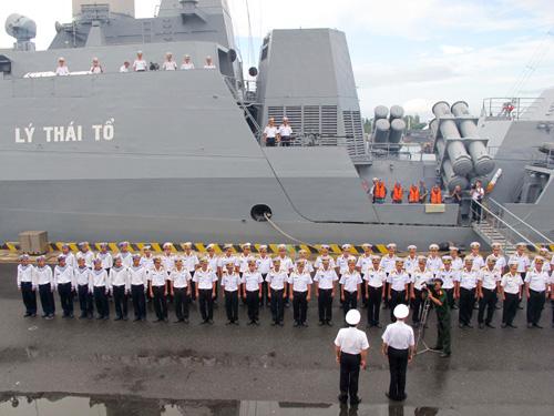 Lễ tiễn tàu HQ-011 và HQ-012 tại Quân cảng Cam Ranh chiều 5-11