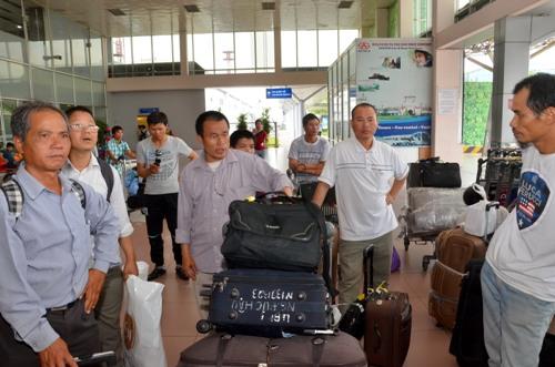 Lao động Việt Nam ở thành phố Benghazi - Libya về Việt Nam. Ảnh: Tấn Thạnh