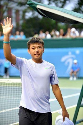 Lý Hoàng Nam là tay vợt trẻ đầu triển vọng của VN Ảnh: BECAMEX TENNIS