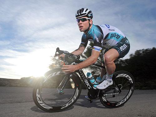 Tay đua lừng danh người Anh Mark Cavendish cũng sử dụng xe do Speciallized cung cấp